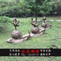 铸铜小兔子骑蜗牛情景卡通仿真动物杂耍跳舞雕塑公园草坪装饰摆件