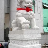 汉白玉石雕狮子,不锈钢雕塑,石牌楼