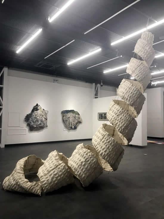雕塑 艺术_纸的雕塑艺术_卡通雕塑 艺术