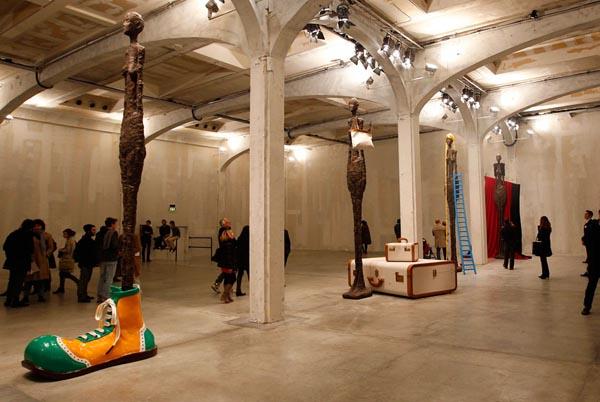雕塑 艺术_卡通雕塑 艺术_纸的雕塑艺术