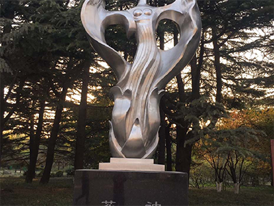 BXG166-不锈钢人物雕塑厂家