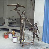 TDRW1938-家庭主题人物铜雕塑多少钱