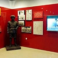 TDRW505-单体人物铜雕站像设计