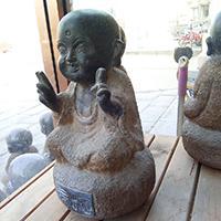 XFGS2662-小和尚石雕塑像_小沙弥石雕像设计