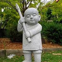 XFGS2676-小和尚石雕塑像_小沙弥石雕像定制