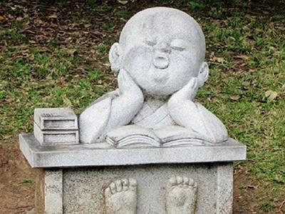 XFGS2696-小和尚石雕塑像_小沙弥石