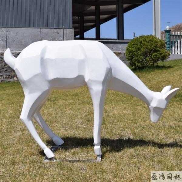 安康磊鸿园林玻璃钢雕塑 城市园林玻璃钢雕塑设计 动物雕塑定制生产