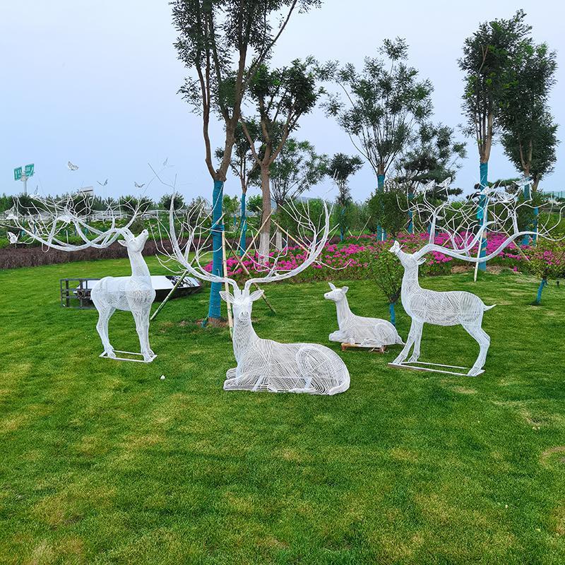 不锈钢镂空雕塑 镂空鹿雕塑 镂空小鸟雕塑 园林景观小品 铁艺云朵雕塑 万硕雕塑