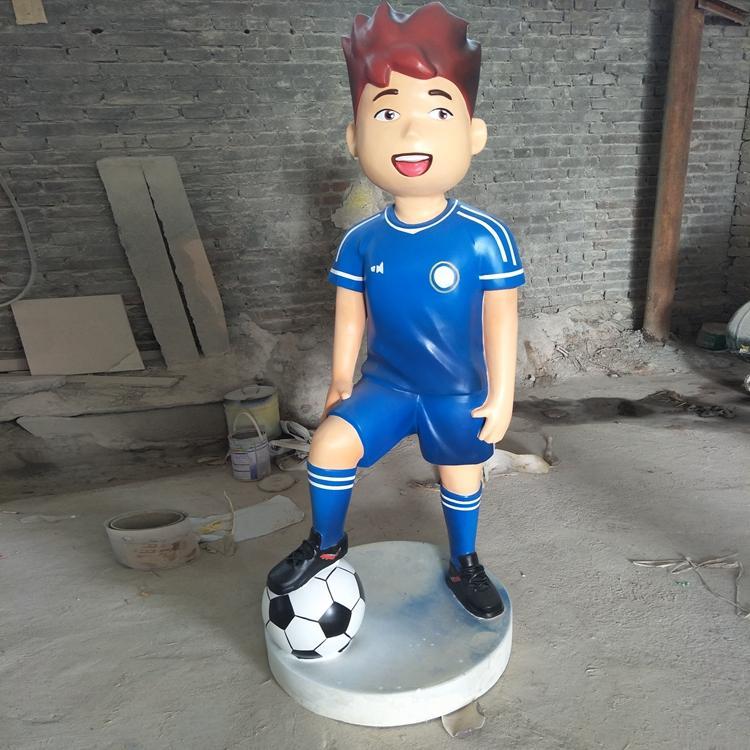 校园儿童玩耍雕塑 踢足球人物雕塑 玻璃钢人物定制,鹏钊