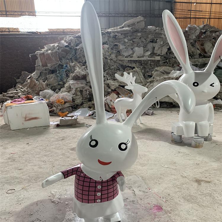 东莞红色抽象兔子雕塑 玻璃钢卡通兔雕塑生产