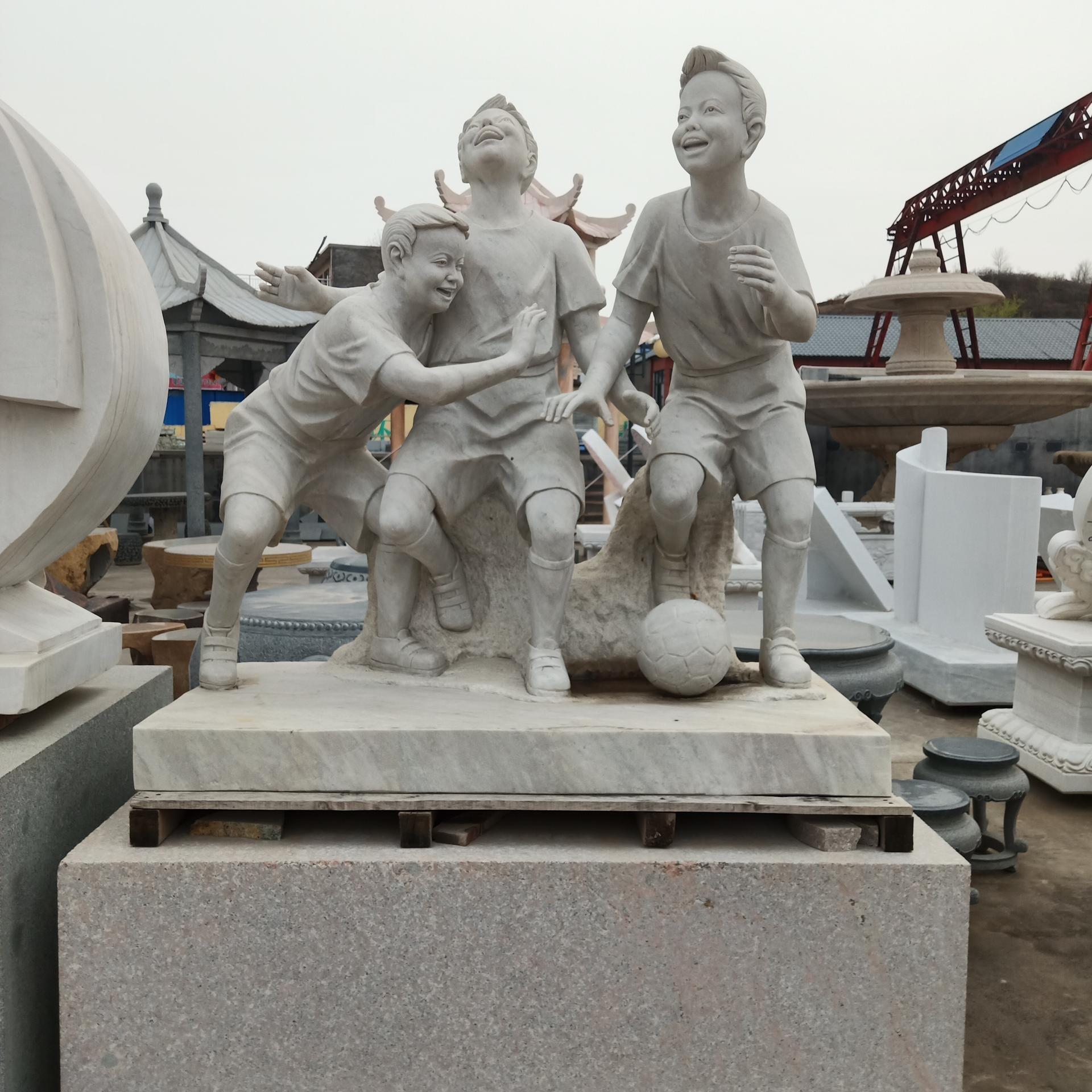 校园小品雕塑 小孩嬉戏雕塑 英翰雕塑厂家