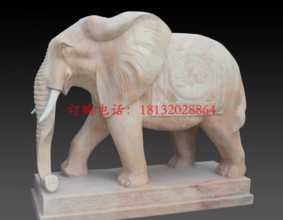 石头大象,石雕大象,晚霞红大象雕塑